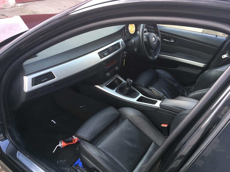 BMW alkatrészek - BMW E90 320D OL - Ülések - Carbon Car Center Kft. Békéscsaba 009