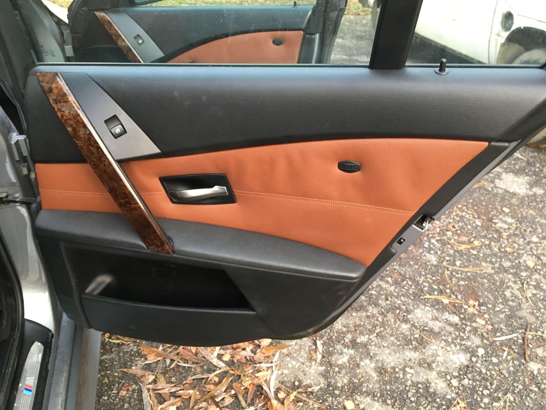 BMW alkatrészek - BMW E61 530XD-2 - Jobb hátsó ajtó - Carbon Car Center Kft. Békéscsaba 021
