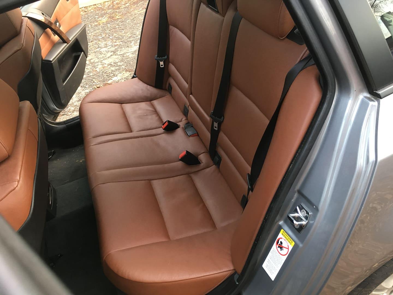 BMW alkatrészek - BMW E61 530XD-2 - Hátsó ülések - Carbon Car Center Kft. Békéscsaba 023