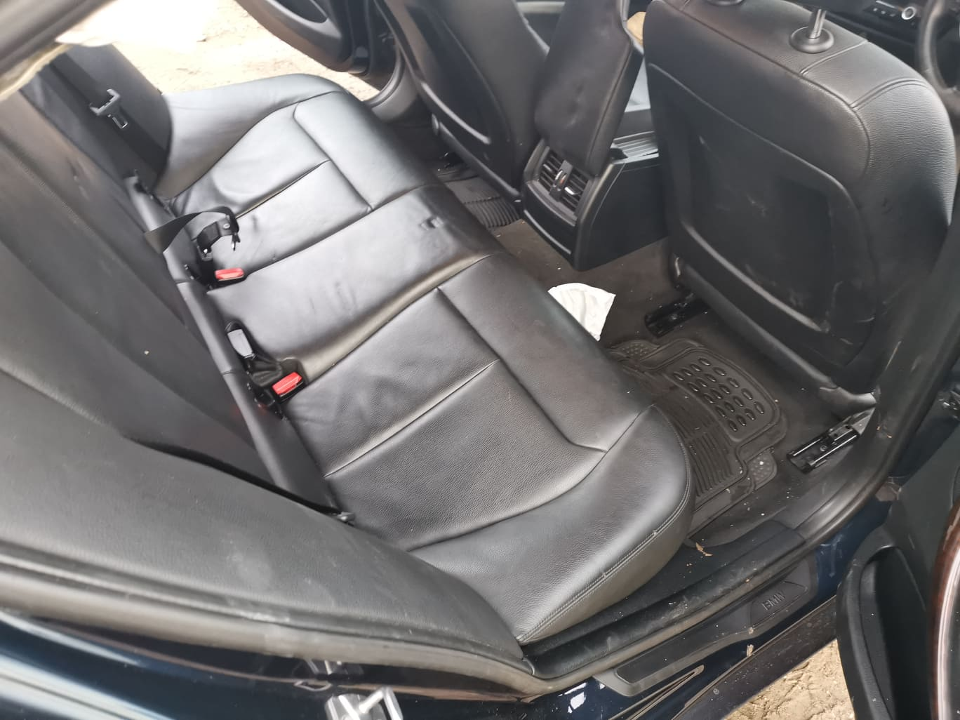 BMW alkatrészek - BMW F30 320D Ülés, kárpit - Carbon Car Center Kft. Békéscsaba 014