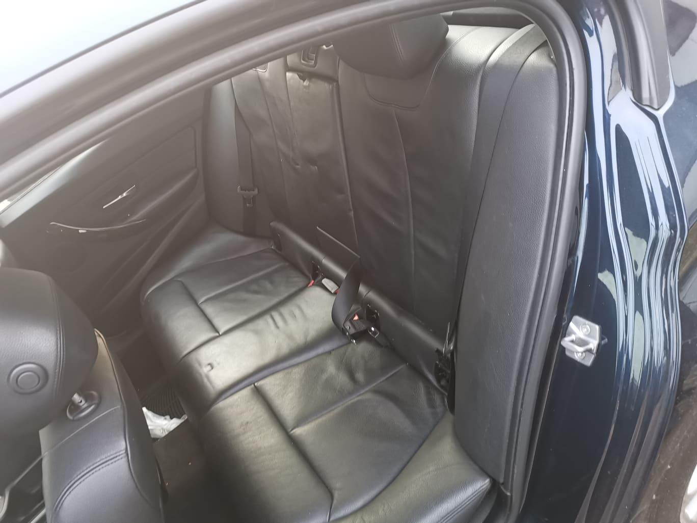 BMW alkatrészek - BMW F30 320D - Ülés, kárpit - Carbon Car Center Kft. Békéscsaba 019