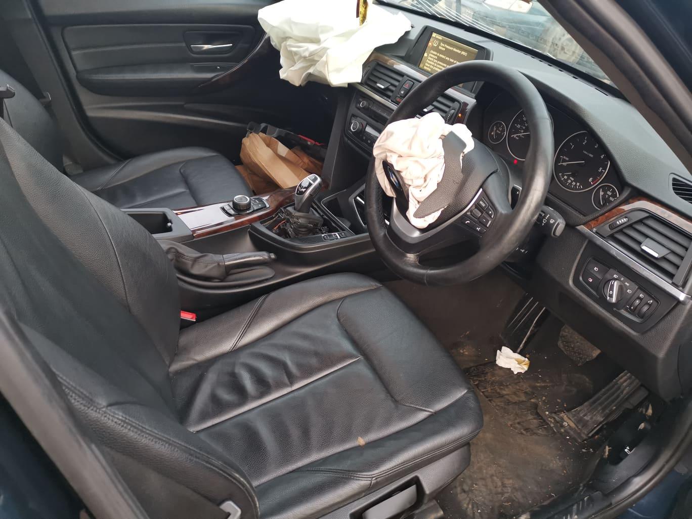 BMW alkatrészek - BMW F30 320D - Ülések, kárpit - Carbon Car Center Kft. Békéscsaba 008