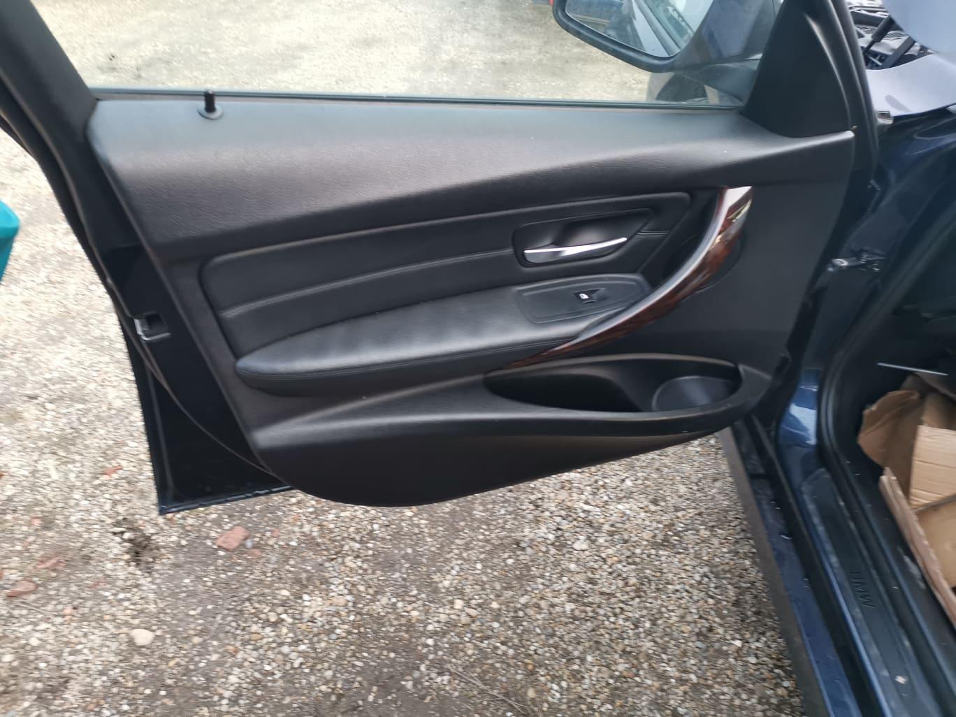 BMW alkatrészek - BMW F30 320D - Ajtó - Carbon Car Center Kft. Békéscsaba 009