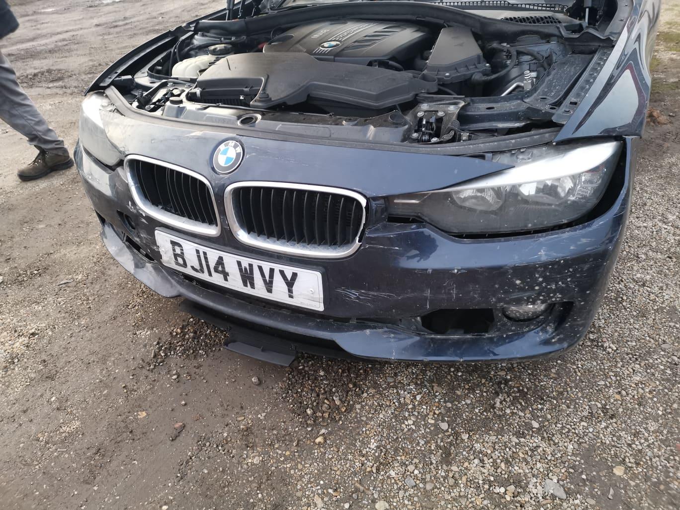 BMW alkatrészek - BMW F30 320D - Autó, motorház, lámpák - Carbon Car Center Kft. Békéscsaba 011