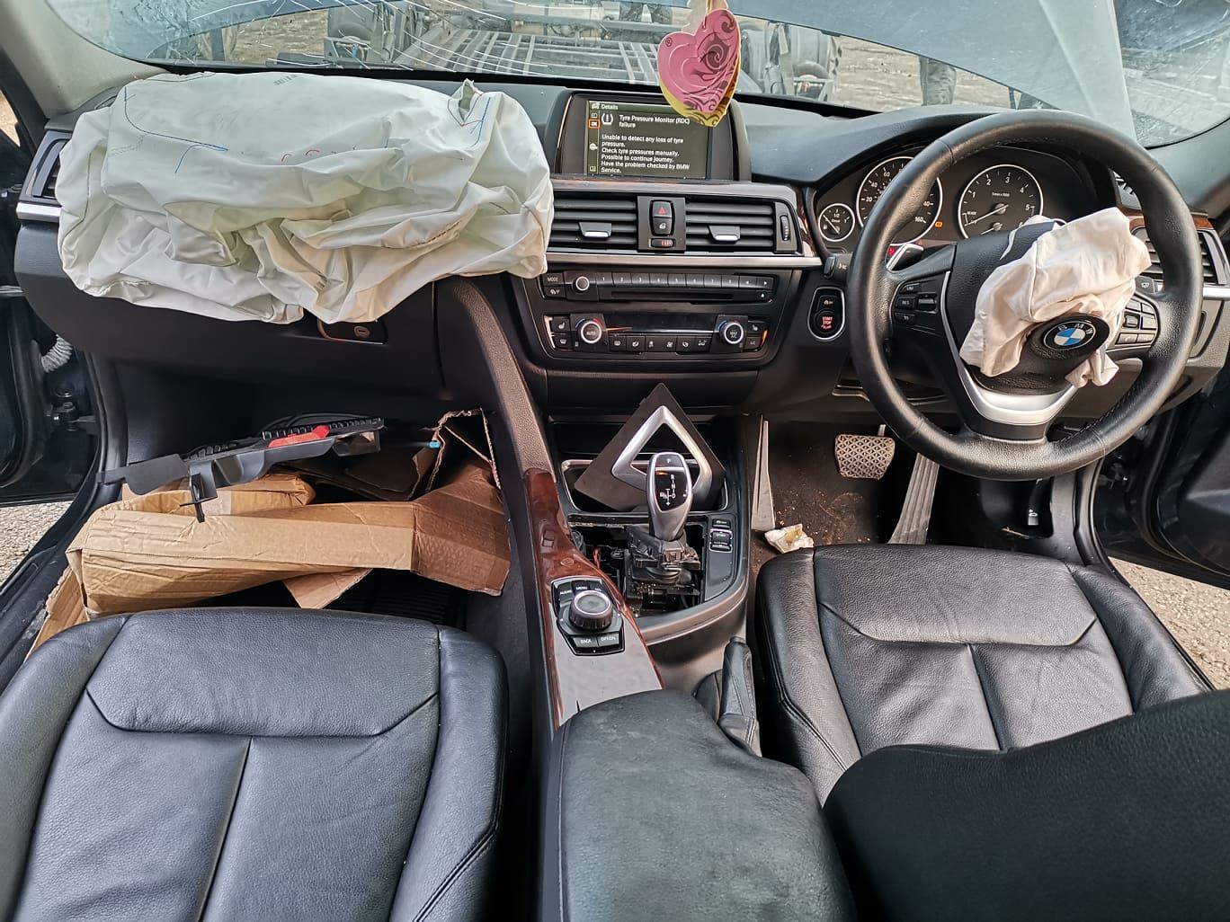 BMW alkatrészek - BMW F30 320D - Belső, kárpit - Carbon Car Center Kft. Békéscsaba 007