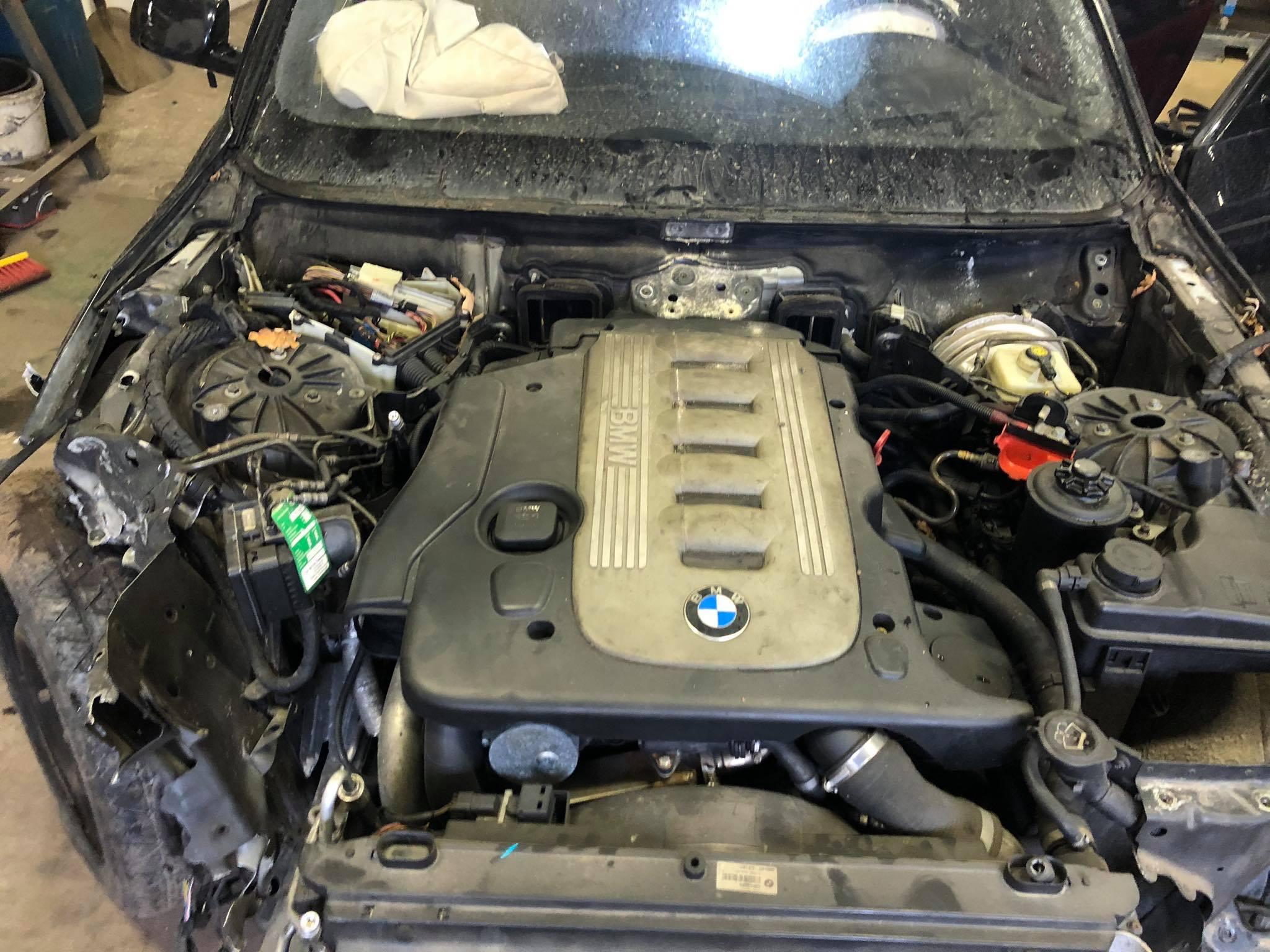 BMW alkatrész E61 330d Carbon Car Center Kft Békéscsaba-23