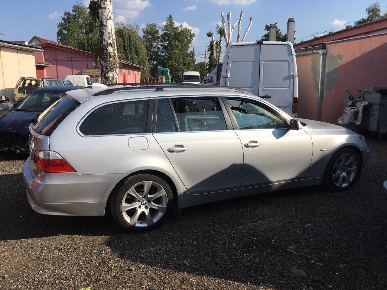 BMW E61 530D Carbon Car Center 1