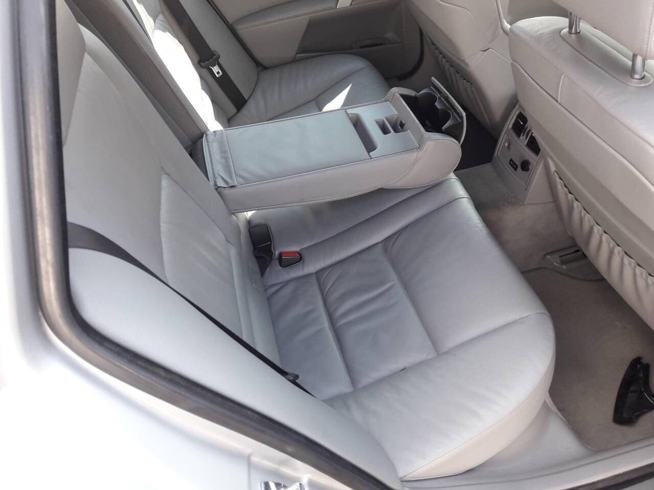 BMW E61 530D Carbon Car Center 7