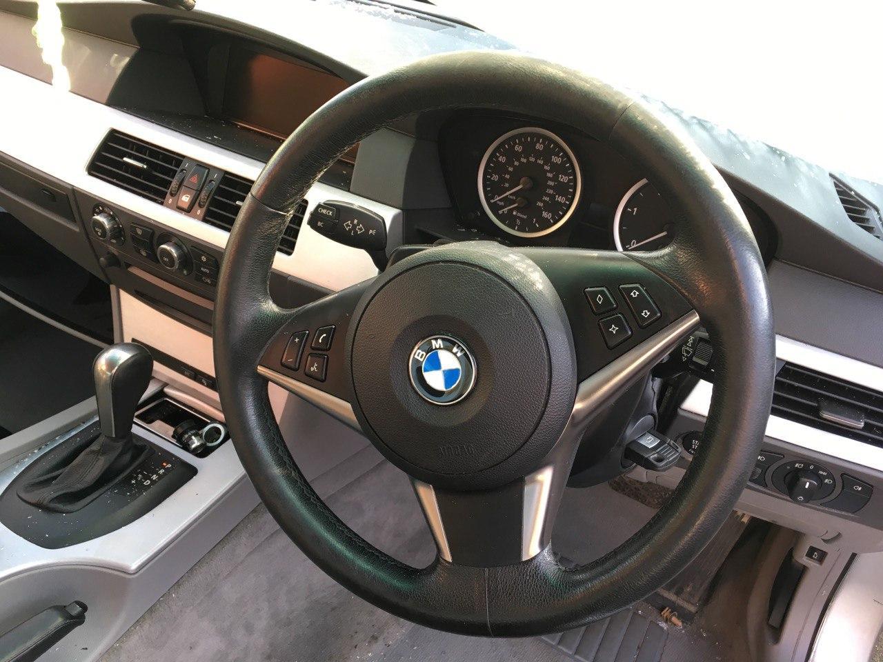 BMW E61 530D Carbon Car Center 5