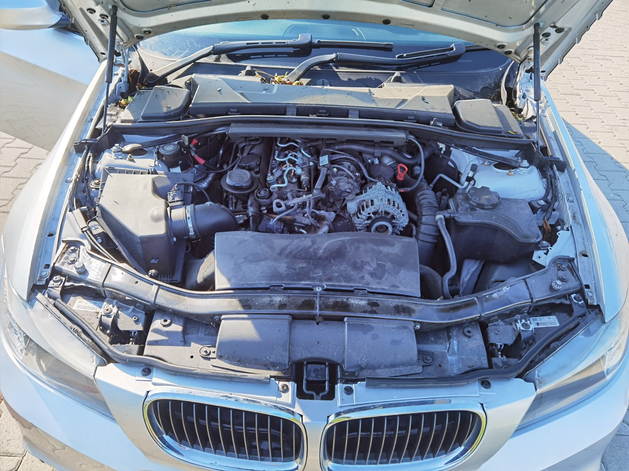 BMW E90 lci 318d Carbon Car Center Békéscsaba-15